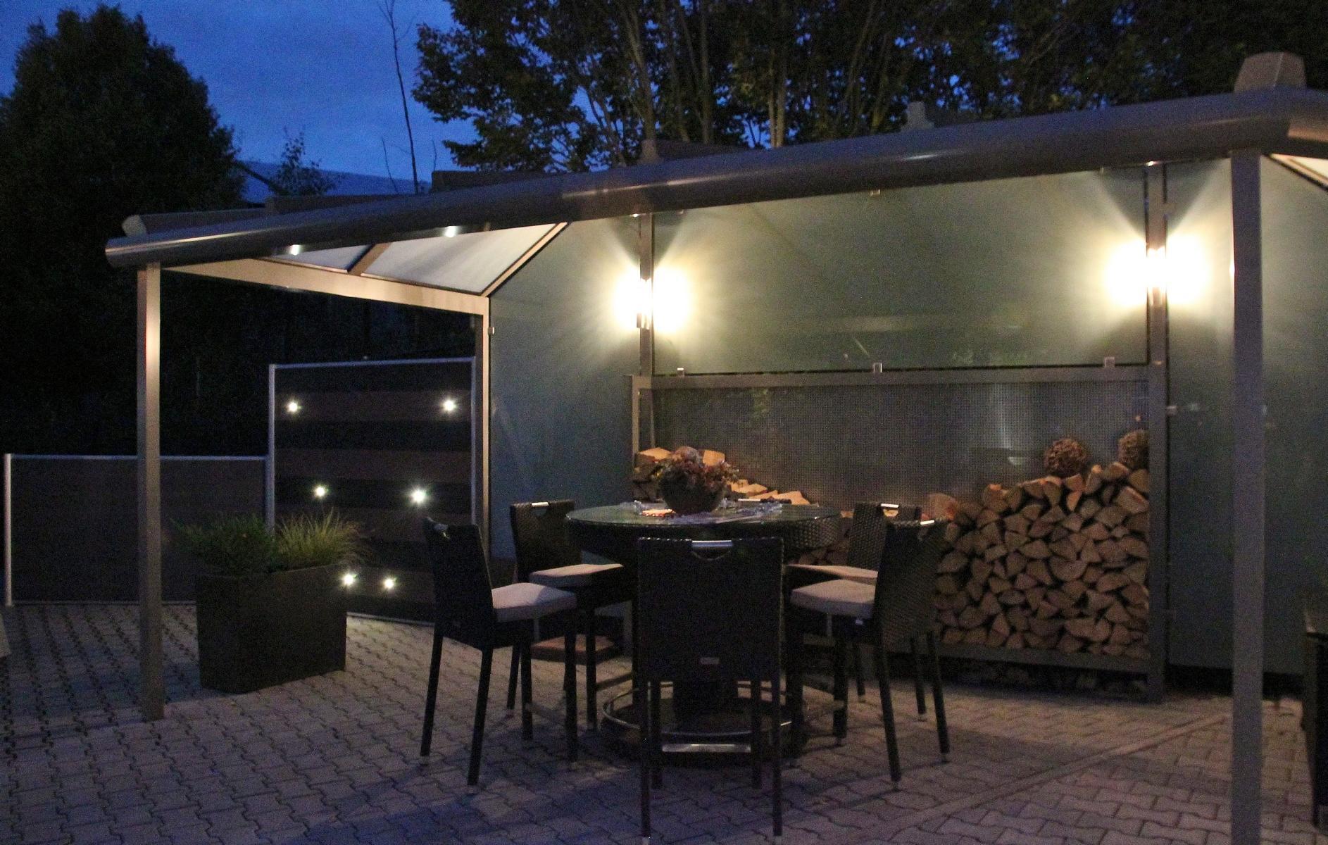 Terrassenüberdachung mit Licht